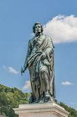 статуя моцарта на площади (mozartplatz) моцарта в зальцбурге, рай — Стоковое фото