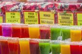 Mercado de la boquería en barcelona, españa — Foto de Stock