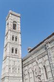 La basilica di santa maria del fiore a firenze, italia — Foto Stock