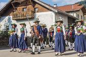 Maria Hemelvaart processie oberperfuss, Oostenrijk. — Stockfoto