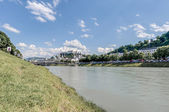 Salzach river on its way through Salzburg, Austria — Stock Photo