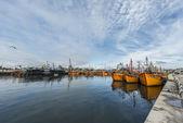Orange fishing boats in Mar del Plata, Argentina — Stockfoto