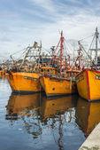 Łodzie rybackie pomarańczowy w mar del plata, Argentyna — Zdjęcie stockowe