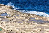 戈佐岛,马耳他在 qbajjar 附近的盐锅. — 图库照片