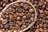 Kawa w drewnianą łyżką — Zdjęcie stockowe