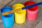 画笔和颜料罐 — 图库照片