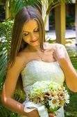 Porträtt av glada vackra brud — Stockfoto