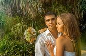 Beautiful newlywed couple — Stock Photo