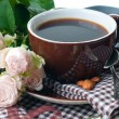 Coffee and roses on tray — Stockfoto #12624896