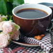 Coffee and roses on tray — Stock fotografie #12624896