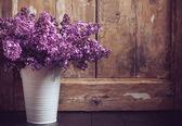Vintage lila blumenstrauß — Stockfoto
