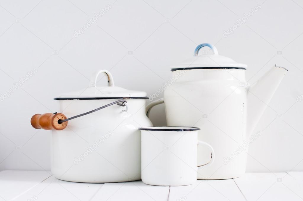 Utensilios de cocina vintage blanco foto de stock for Utensilios de cocina vintage