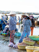 Vietnamese fish market — Stock Photo