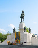 Statue of King Vajiravudh, Bangkok — Stock Photo