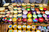 Souvenir bowls at Siem Reap night market, Cambodia — Stock Photo