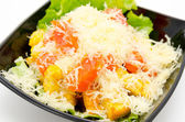 Caesar salad with grated cheese — Stockfoto