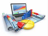Análisis de negocios. ordenador portátil, gráfico y diagrama. — Foto de Stock