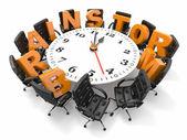 Pojęcie burzy mózgów. tabela koło zegara i fotele — Zdjęcie stockowe