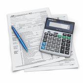 Tax Return 1040, calculator and pen. 3d — Stock Photo