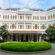 Raffles Hotel in Singapore, main entrance — Stock Photo #13560906