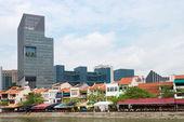 Restaurants on Boat quay in Singapore — Stock Photo