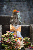 Typical Balinese statue — Stock Photo