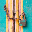Vintage lock and chain on an door  — Stock Photo