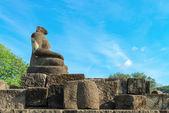Boeddhabeeld zonder hoofd, candi sewu complex in java, indonesi — Stockfoto