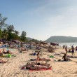 Crowded Patong beach with tourists, Phuket, Thailand — Foto Stock