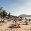Crowded Patong beach with tourists, Phuket, Thailand — Stockfoto
