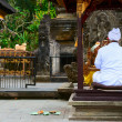 Balinese priest on a religious ceremony — Stock Photo