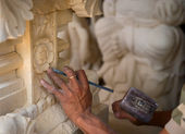 Stone carving at process — Stock Photo
