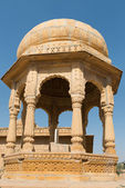 Royal cenotaphs with floral ornament, India — Stock Photo
