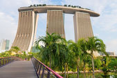 Back view on modern Singapore hotel Marina Bay Sands — Stockfoto