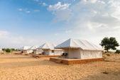 在沙漠中的帐篷露营网站酒店 — 图库照片