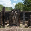Statues in ancient temple, Polonnaruwa, Sri Lanka. — Foto de Stock
