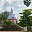 Thuparamaya dagoba in Anuradhapura, Sri Lanka — Stock Photo #29757383