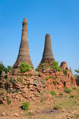 Ruins of ancient Burmese Buddhist pagodas  — Stock Photo