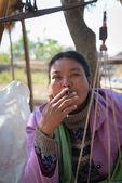 Burmese market woman smoke cheroot cigar — Stock Photo