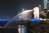 Merlion fountain  is a symbol of Singapore — Stock Photo