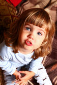 可爱的小宝贝在一个舒适的室内 — 图库照片