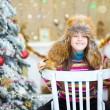 Happy Christmas - Little girl and Christmas tree — Stock Photo