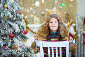 Happy Christmas - Little girl and Christmas tree — Foto Stock