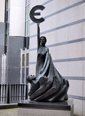 Monument in front of the European Parliament, Brussels, Belgium — Stock Photo