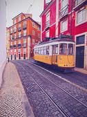 Alte straßenbahn in lissabon — Stockfoto