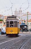 Vecchio tram a Lisbona — Foto Stock