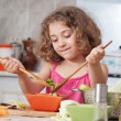 Girl preparing healthy food — Foto Stock
