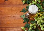 Cerveza y salto — Foto de Stock