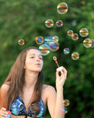 Portrait de jeune femme attirante en maillot de bain beau inflati — Photo