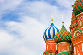 Domes of the famous Head of St. Basil's Cathedral on Red square, Moscow, Russia — Stock Photo